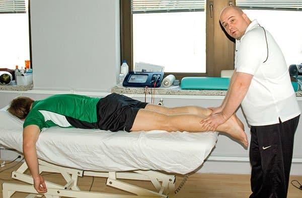 Sasche Knappe Physiotherapie Behandlung Foto